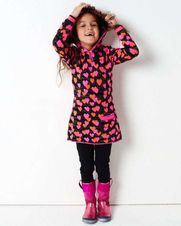 Mim-Pi Langarm-Strick-Kleid Herzen schwarz pink mit Kapuze