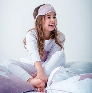 """Louis & Louisa Mädchen Schlafanzug/Pyjama """"Sternchenzauber"""" weiß allover"""